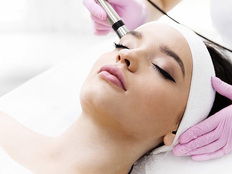 Gesichtsbehandlung - Microdermabrasion